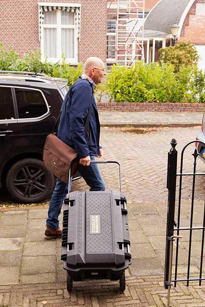 bouwkundig isolatie adviseur Groningen met apparatuur