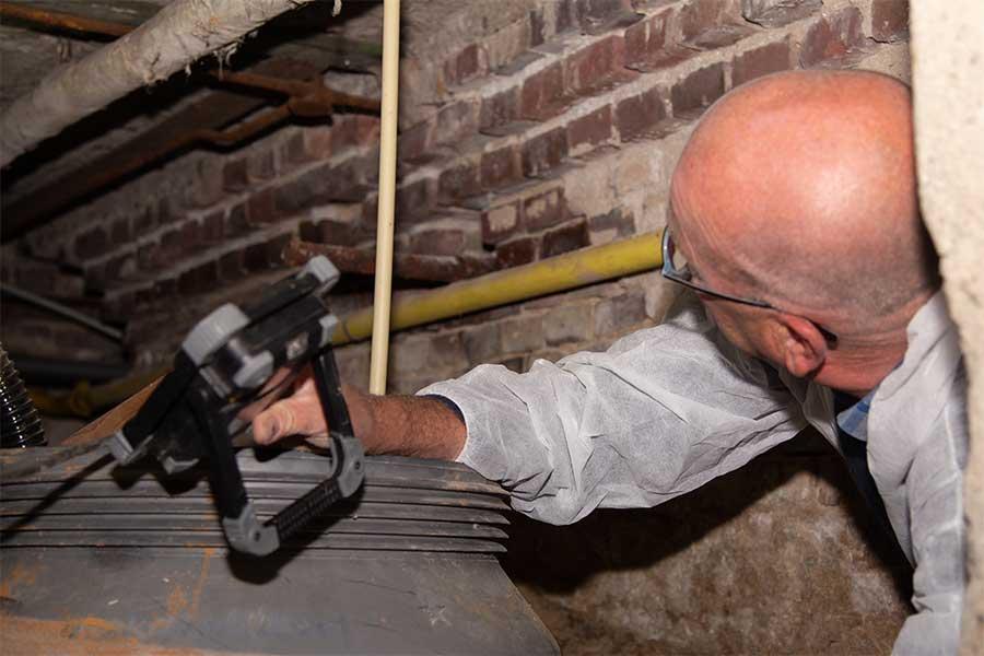 Huis isoleren Groningen, isolatie advies bouwadviseur onder de vloer voor vloerisolatie kosten